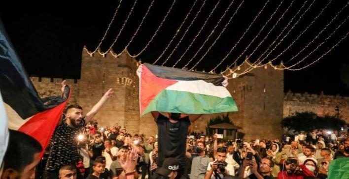 """21 - """"القدس على حافة الانفجار"""".. انتفاضة وشيكة تهدد وجود إسرائيل"""