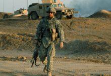 صورة الجيش الأمريكي يحط بهذه الصحراء وينشر آليات حـ.ـربية..إليك التفاصيل