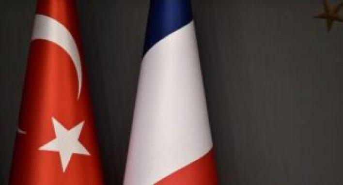 فرنسا 300x162 - تركيا تعلق على لقاء ماكرون بوفـ.ــد الإدارة الذ.اتية الكـ.ــردية في باريس.. إليكم التفاصيل