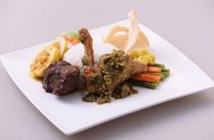 Kuliner Rendang Padang (sumber @indoworldexpo)