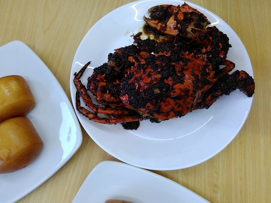 Roti Mantau dan Black Pepper Crab (foto dokpri)
