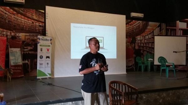 Sharing Mendapat Peluang dari Blogging (foto koleksi Tias Tatanka)