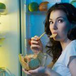 夜のお菓子や間食をやめたい!ダイエット中の間食を止める9つの方法