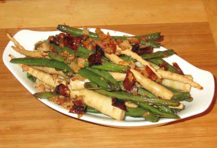 Dry-fried Green Beans and Bamboo Shoots