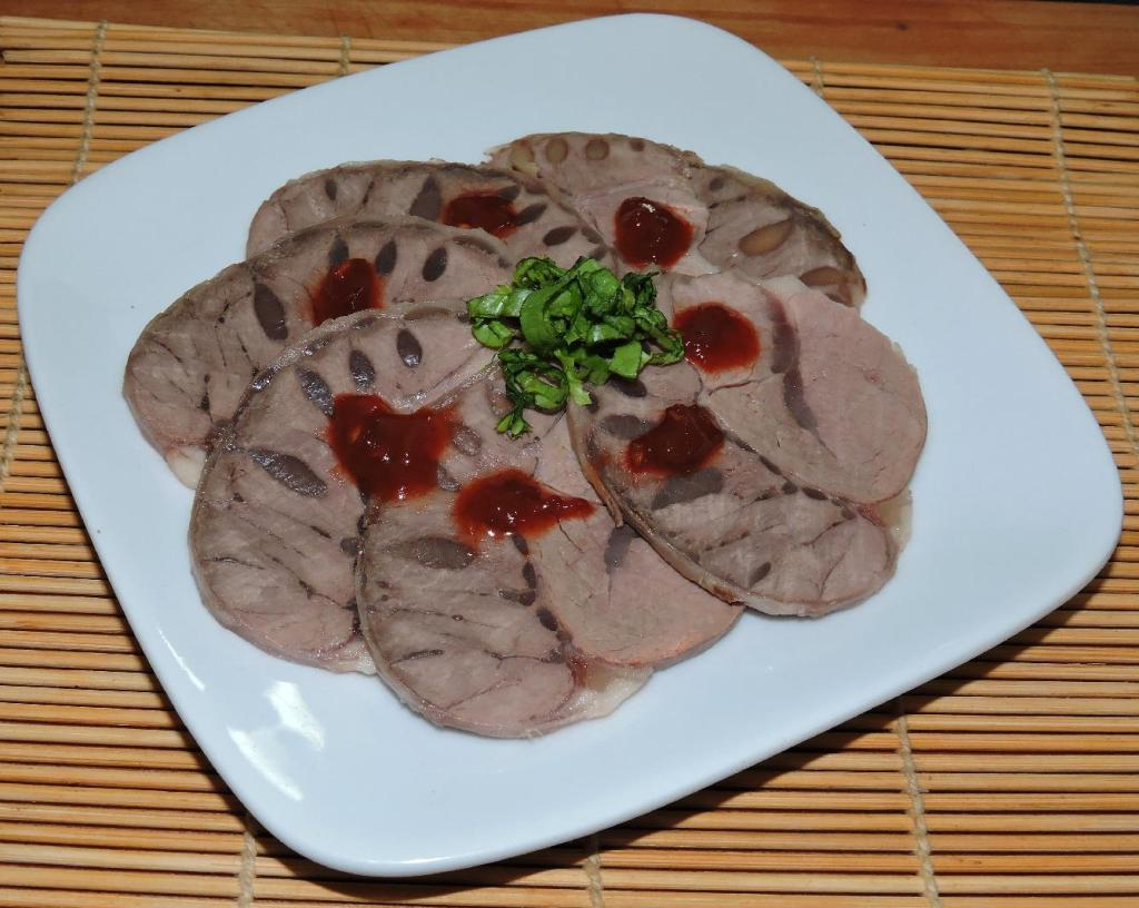 An Appetizer of Cold-Spice Beef