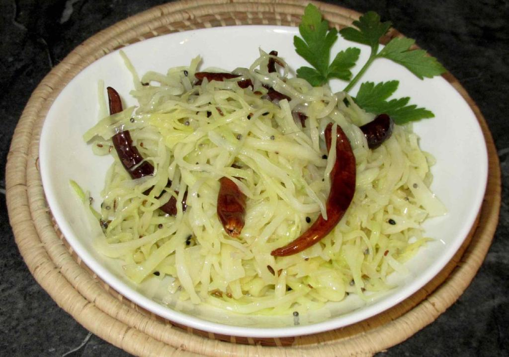 A Delicious Five-Spice Cabbage Salad