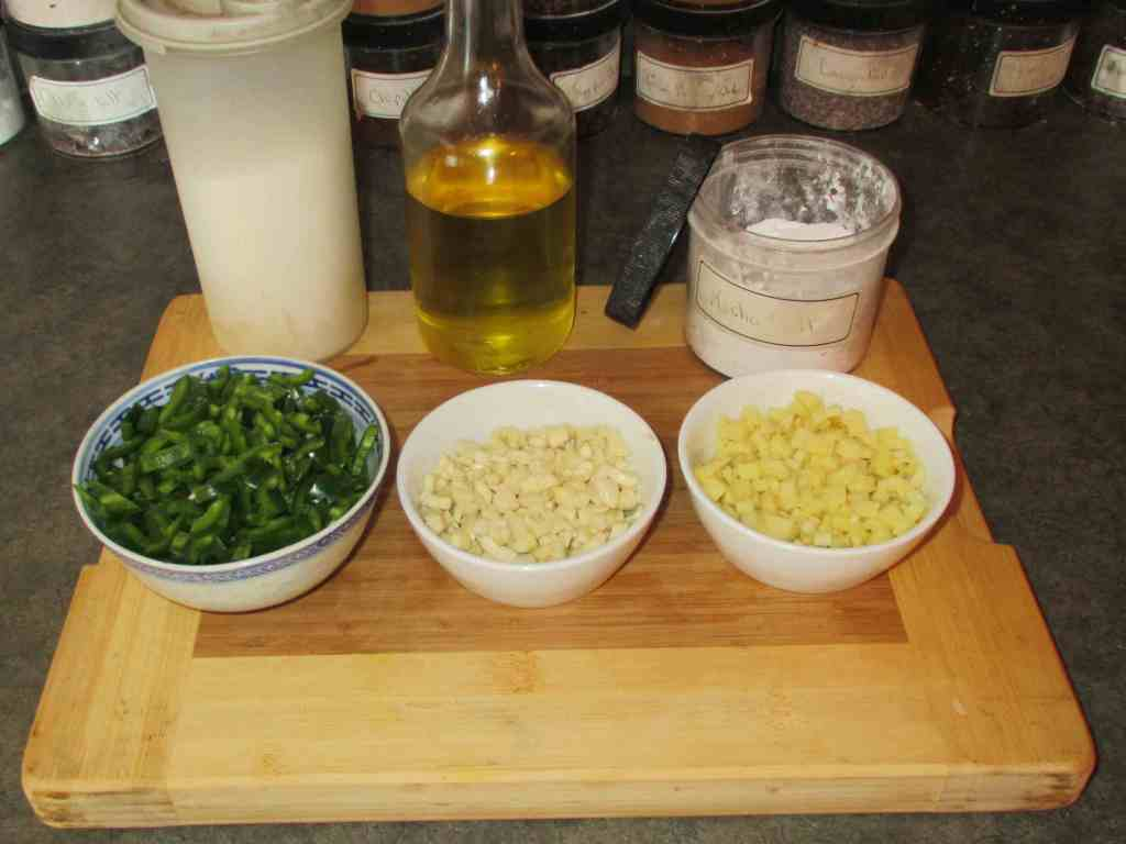 Ingredients for a Chili-Garlic-Ginger Paste