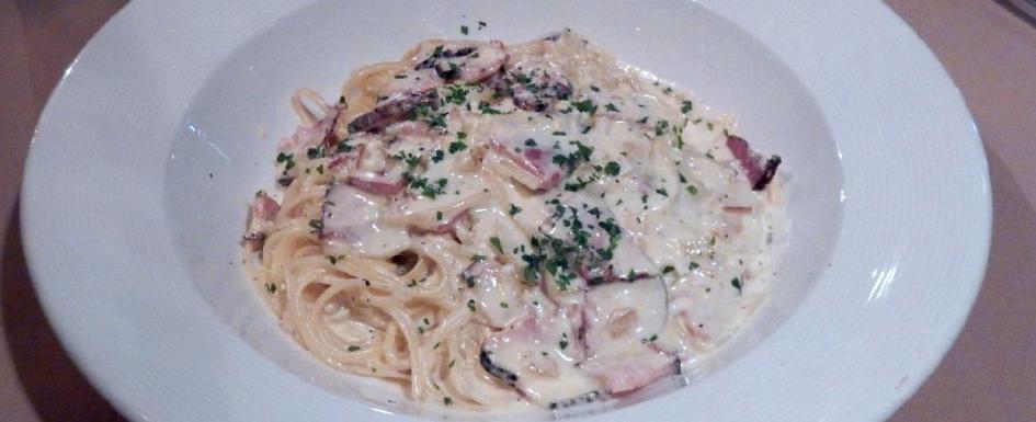 Pasta Carbonara at Café Mezzaluna