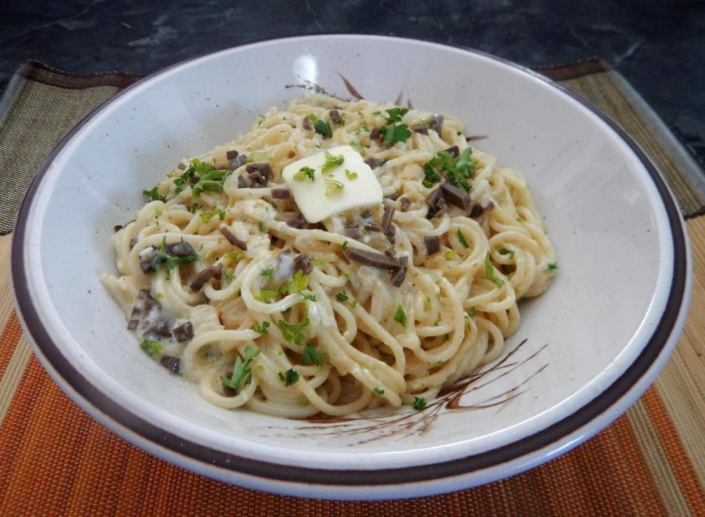 Pasta with Truffles and Cream