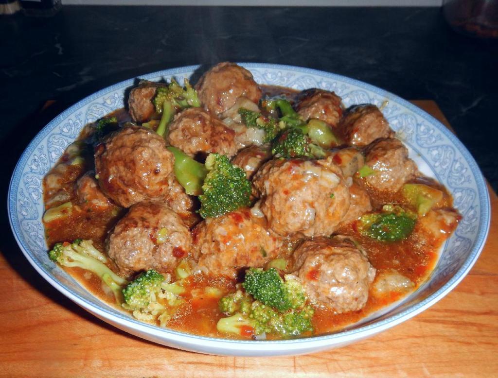 Spicy Pork with Sea Cucumber - 辣味海参豬肉丸子