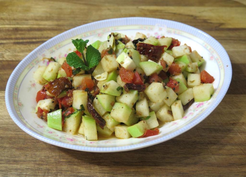Bengali-style Chili-Mint Chayote