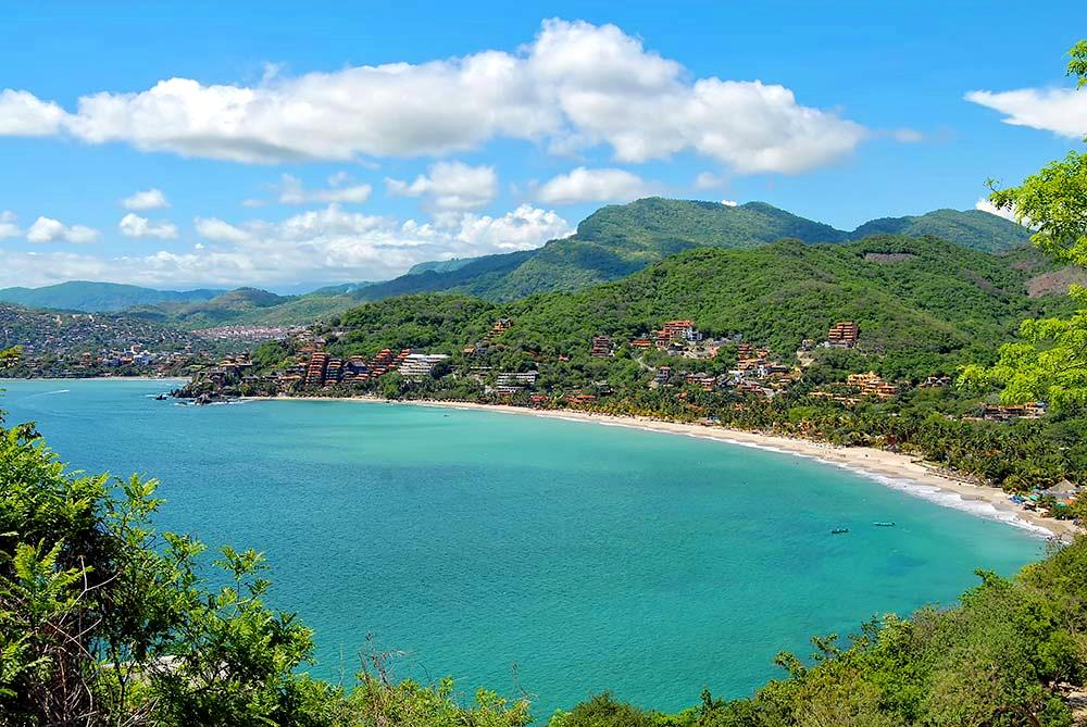 flights to Zihuatanejo
