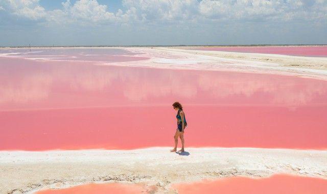 Las coloradas, a pink lake