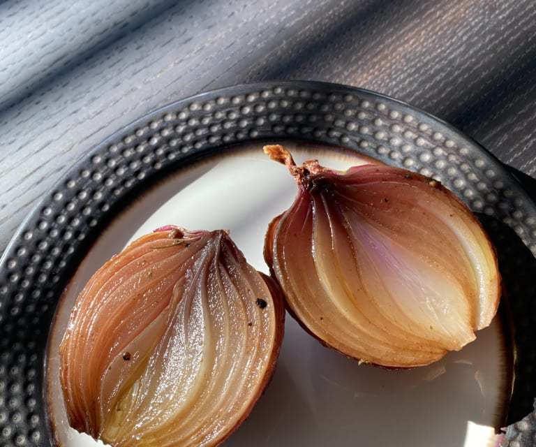 super easy baked balsamic onions