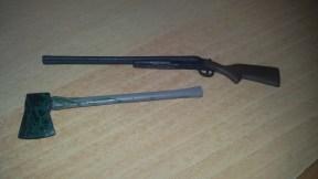 evil-dead-2-dead-by-dawn-ash-figure-weapons