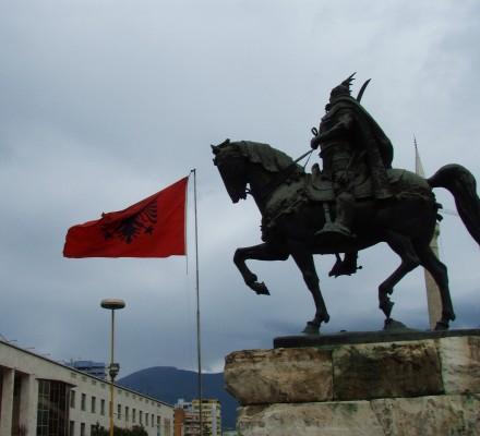 I sentrum av Tirana i Albania.