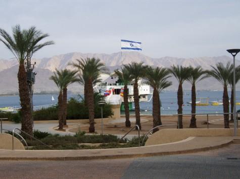 I Eilat. Jordan og Al Aqaba på den andre siden av bukta!