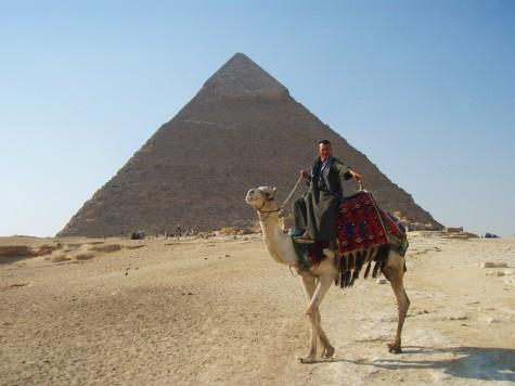 Man får mang et tilbud om kamelridning!