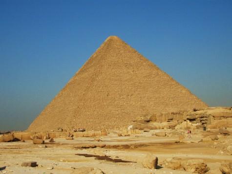 Khofrenpyramiden er noen få meter laverer enn Kheops!