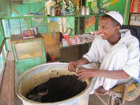 Snus i løs vekt å få kjøpt i Sudan! Pris en krone!