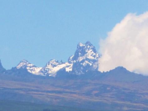 Fint syn fra vår lunsjstopp - Mt. Kenya på 5199 m.o.h.!