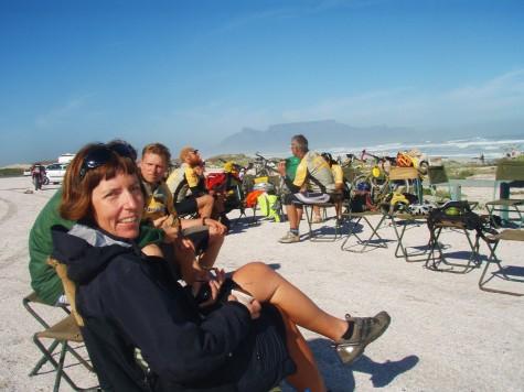 Hilde inntar lunsj med Table Mountain i bakgrunnen!