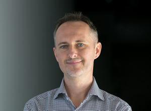 Konrad Gurdak, Syllabuzz.pl Naming+Strategia, Strateg, marketer, doświadczony gracz w projektach rebrandingu.
