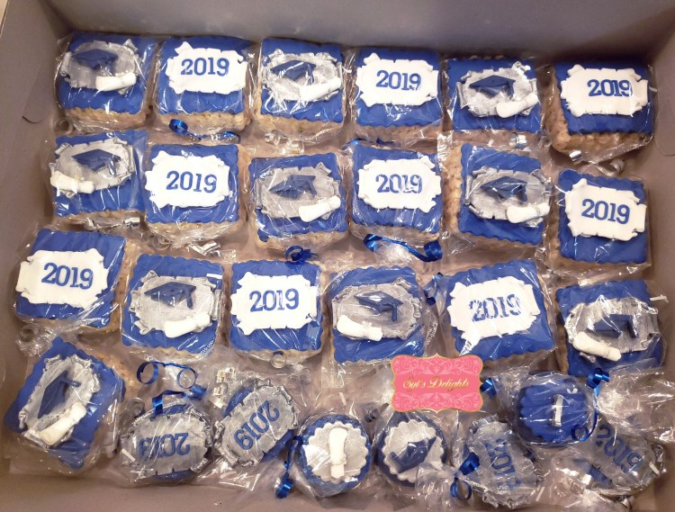 Graduation rice krispies treats