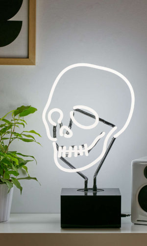 Neon skull table lamp