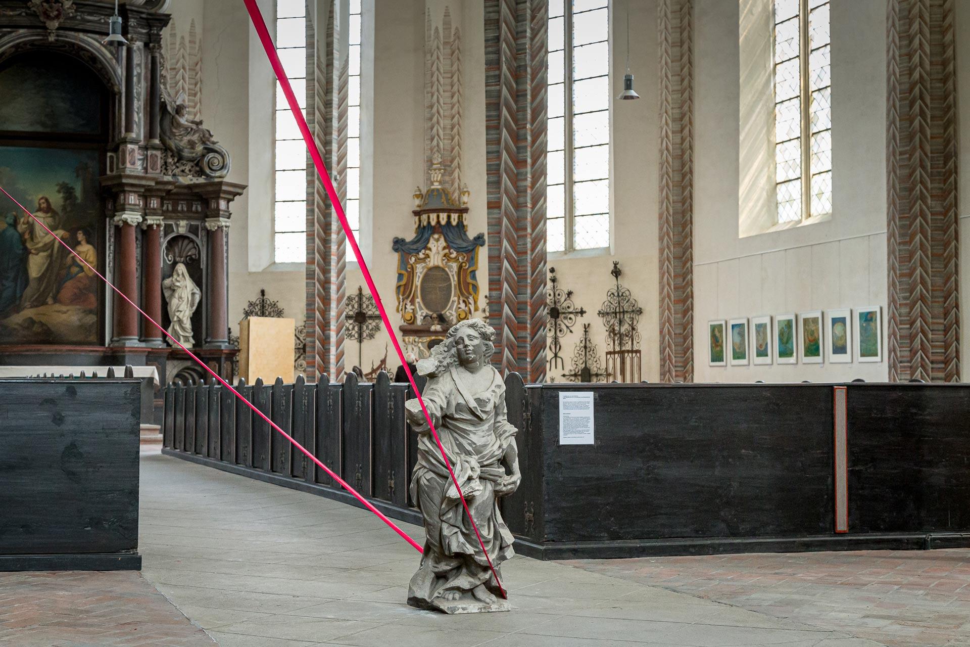 """Ausstellungseröffnung """"anderswo hier""""-Sylvia Wolff, Performance """"Finsternis leuchte"""" - Jens Reulecke 2017 in Görlitz"""