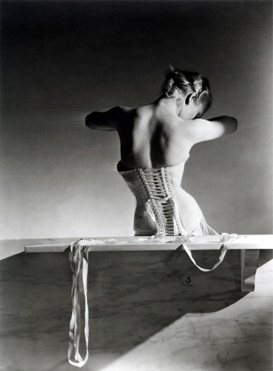 mainbocher_corsetMainbocher Corset (pink satin corset by Detolle), Paris, 1939. © Condé Nast:Horst Estate