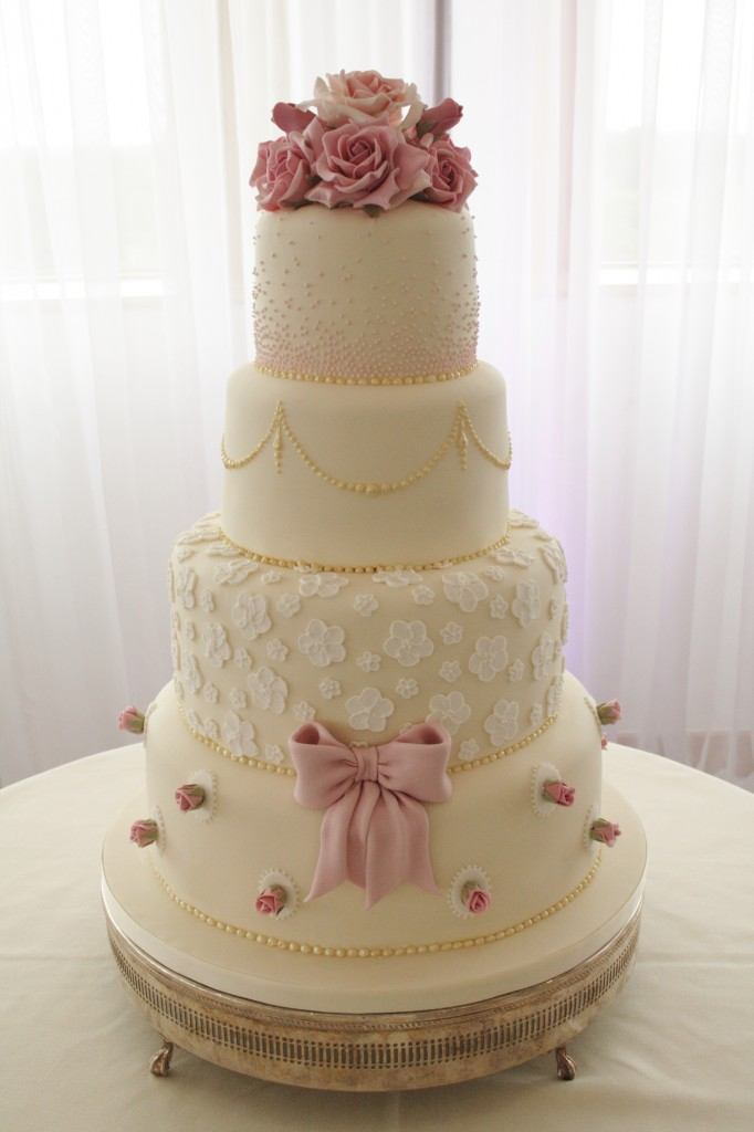 Sylvias Kitchen Luxury Hand Crafted Wedding Cakes