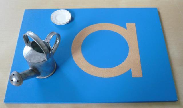 Montessori lettres rugueuses