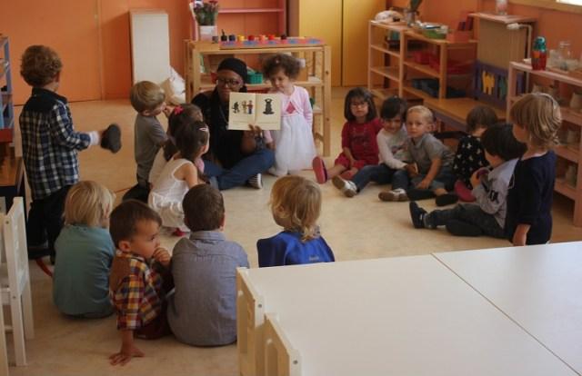 Les maternelles en cours d'anglais.