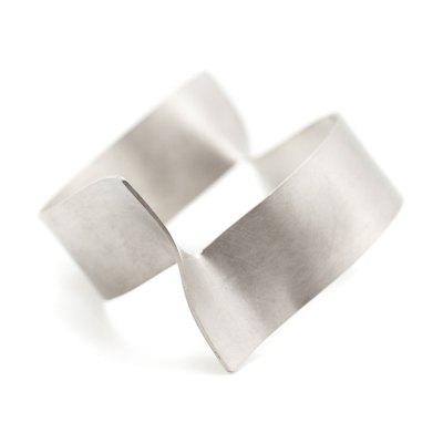 Parenthesis large silver bracelet