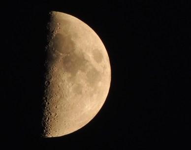 moon-410127_640
