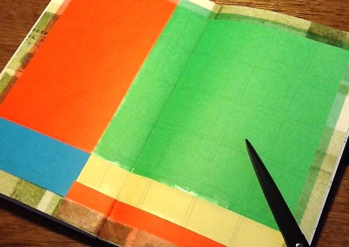 モレスキンのスケッチブックの失敗ページに、折り紙を貼った場合の一例。まわりはマスキングテープでとめました。
