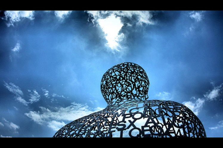Nomade by Jaume Plensa image © Phil Roeder with CCLicense