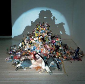 Dirty White Trash by Tim Noble and Sue Webster © Floor with CCLicense