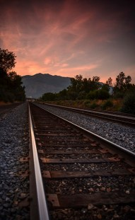 morning sunrise railroad tracks © R. Niall Bradshaw will CCLicense