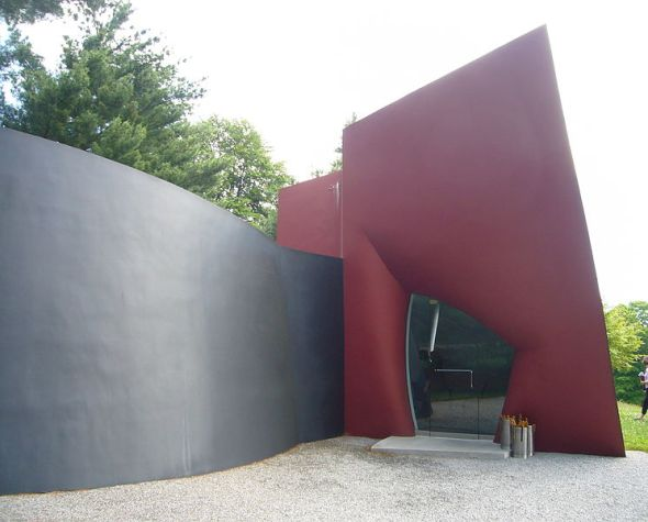 """Da Monsta"" gatehouse at Philip Johnson's Glass House, New Canaan, CT, USA image © Staib with CCLicense"