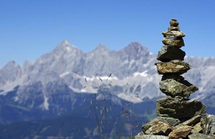 mountains-468123_640