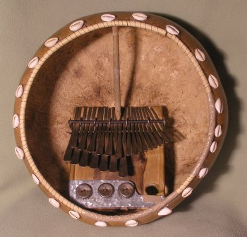 Mbira dzavadzimu in a deze (Calabash shell) © Alex Weeks with CCLicense