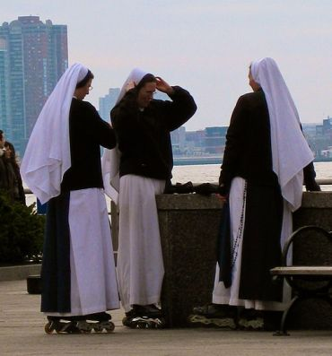 Rollerblading Nuns © April Sikorski with CCLicense