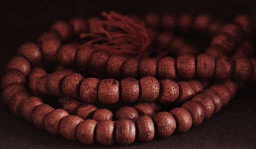 buddhist_prayer_beads.jpg