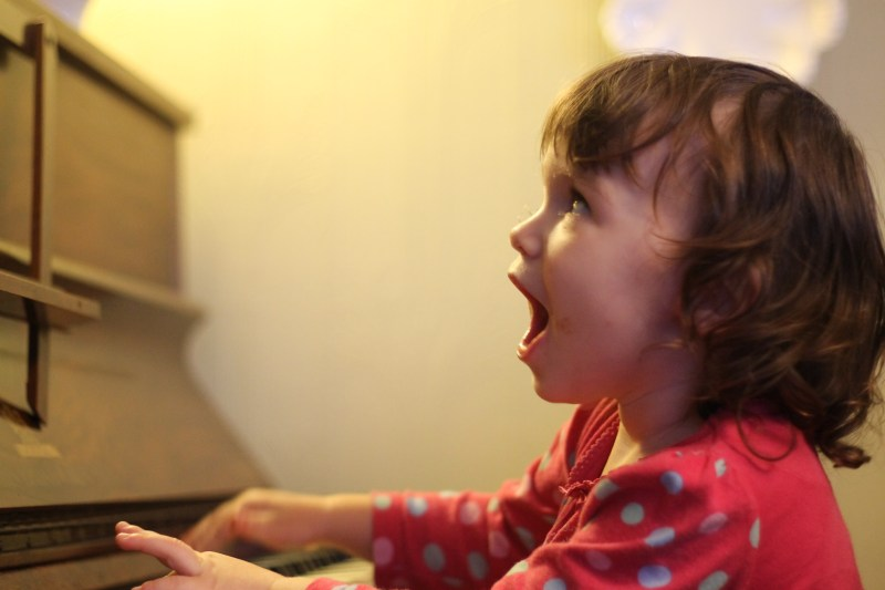 singing-child-david-simmonds-flickr