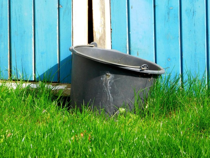 bucket-1618346_960_720.jpg