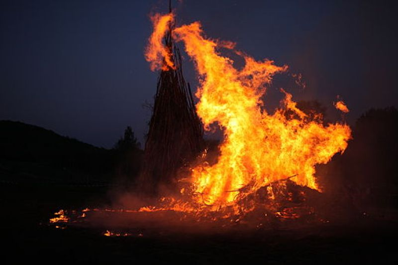 512px-Easter_Fire