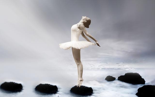 ballerina-3055155_640
