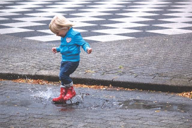 child-fun-jump-69896